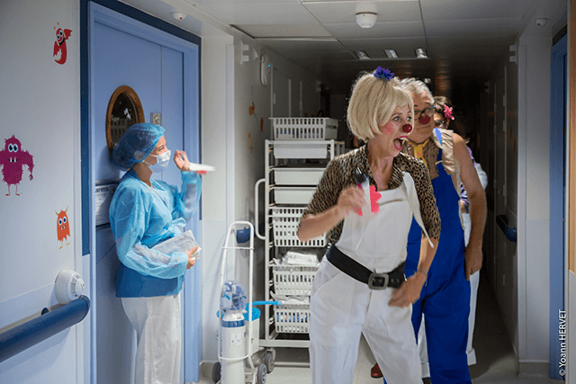 clowns hopital cancer rire medecin
